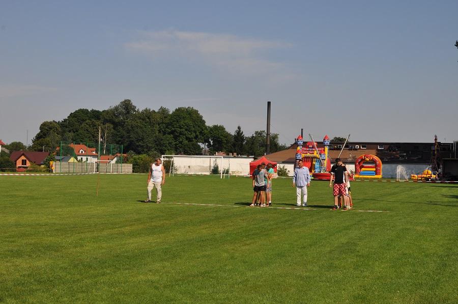 Boisko - stadion w Daleszycach